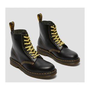 Dr Marten 1460 pascal atlas leather lace up boots